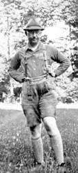 Himmler in kurzen Hosen